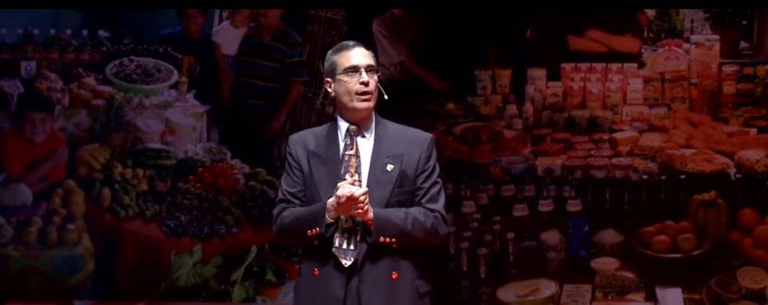 José Luis Cordeiro, durante una conferencia.