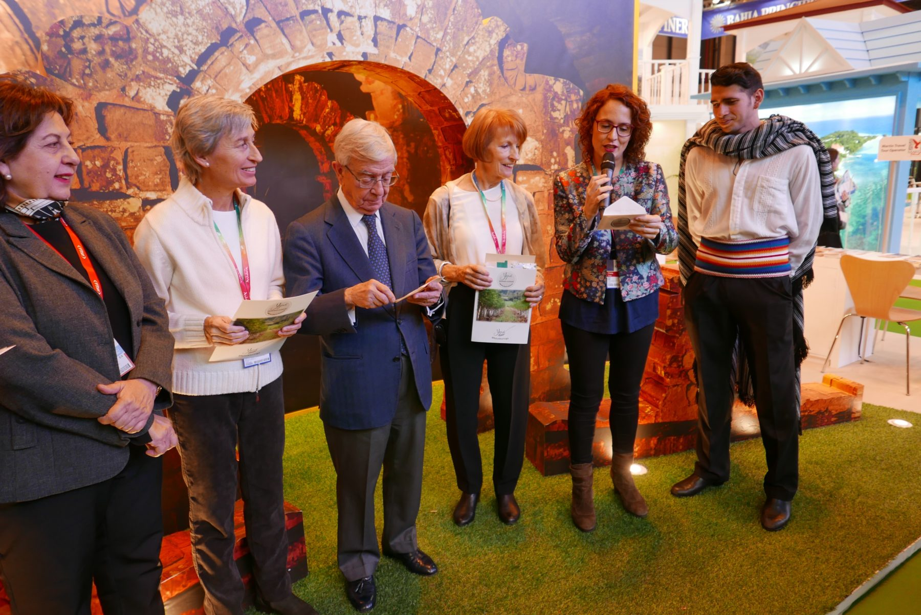 En el marco del Stand de Paraguay en FITUR 2017, representantes de la Secretaría Nacional de Turismo del Paraguay (Senatur), la Academia Iberoamericana de Gastronomía, la Fundación Española de la Nutrición e Yguá Moringa Guaraní anuncian los ganadores del Reto Moringa 2016.
