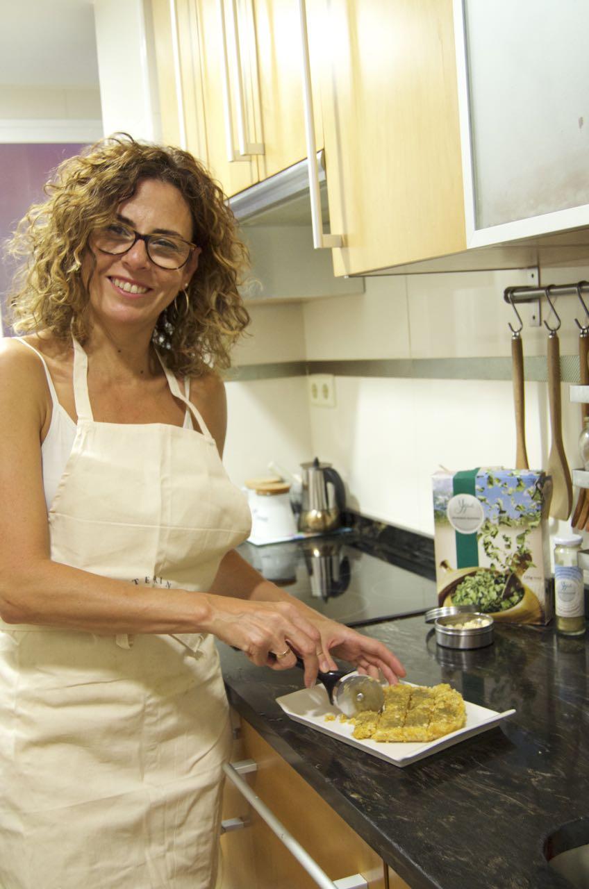 Montse Toledo, ganadora del #RetoMoringa 2017 prepara la receta premiada: Barritas energéticas con Moringa.