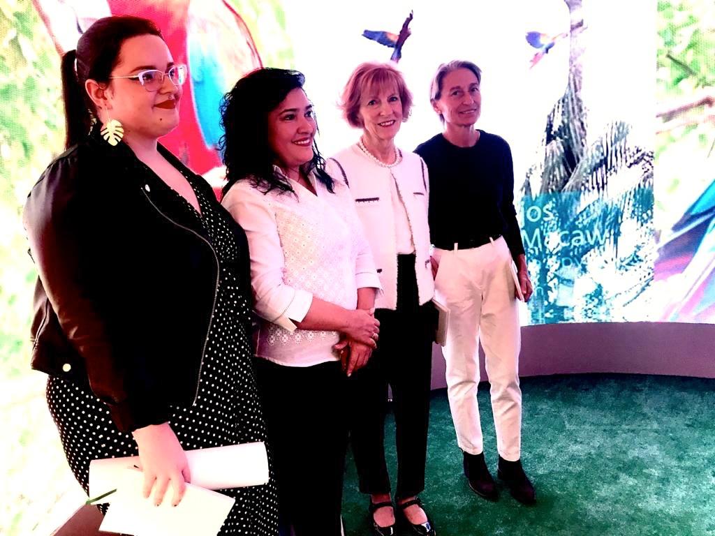 De izquierda a derecha, Cecilia Prieto Fernández, ganadora del Reto Moringa 2019; Dña. Sofía Montiel de Afara, ministra de Turismo del Paraguay, Carolyn Stewart, Presidenta de Yguá Moringa Guaraní, y Carmen Figueras, Directora de Yguá Moringa Guaraní.